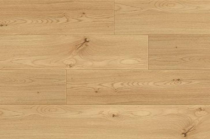 Balterio Tradition Quattro V-Groove Amber Oak Laminate Flooring, 9 mm Image 2