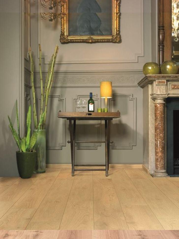 Balterio Tradition Quattro Lounge Oak V Groove Laminate Flooring 9 mm Image 1