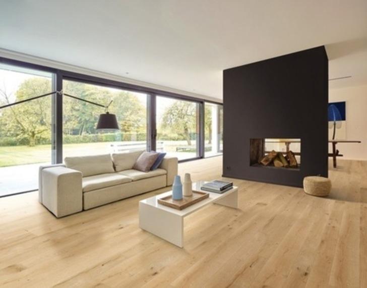 Balterio Grande Wide Linen Oak Laminate Flooring, 9 mm Image 1