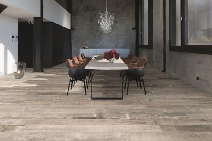 Balterio Grande Narrow Scaffold Oak Laminate Flooring, 9 mm Image 1
