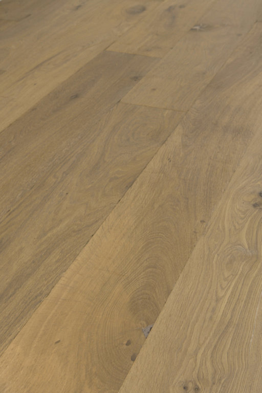 Tradition Classics Lorraine Engineered Oak Flooring, Smoked, Distressed, White Oiled, 15x189x1900 mm Image 3