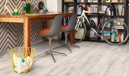 Balterio Quattro Vintage Lipica Oak Laminate Flooring, 8 mm Image 2