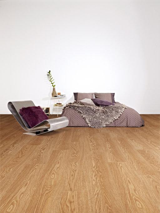Balterio Tradition Elegant Honey Oak 4 Micro V-Groove Laminate Flooring, 9 mm Image 1