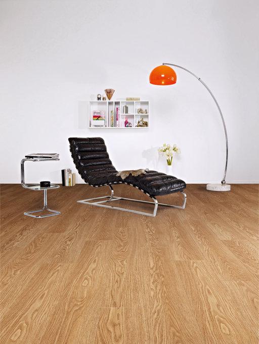 Balterio Tradition Elegant Honey Oak 4 Micro V-Groove Laminate Flooring, 9 mm Image 2