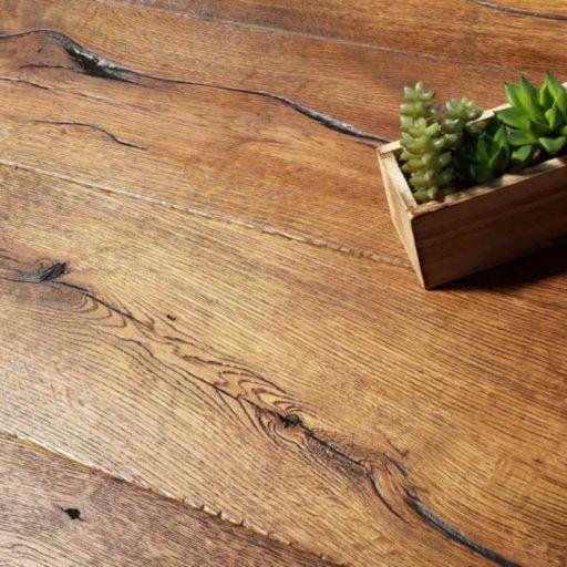 Chene Antique Distressed Golden Oak Engineered Flooring, 220x4x15 mm Image 1
