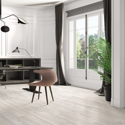 QuickStep CLASSIC Old Oak Light Grey Laminate Flooring, 8 mm Image 3
