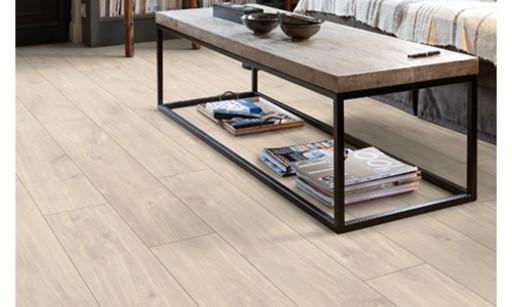 QuickStep CLASSIC Havanna Oak Natural Laminate Flooring, 8 mm Image 3