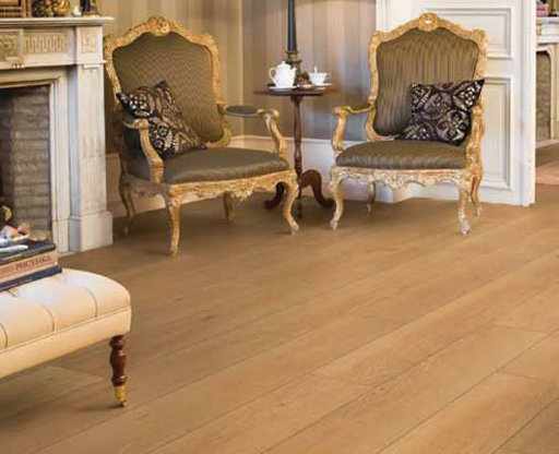 Quickstep CLASSIC Moonlight Oak Natural Laminate Flooring, 8 mm Image 1