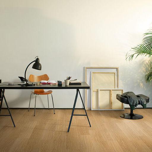 QuickStep CLASSIC Windsor Oak Laminate Flooring, 8 mm Image 1