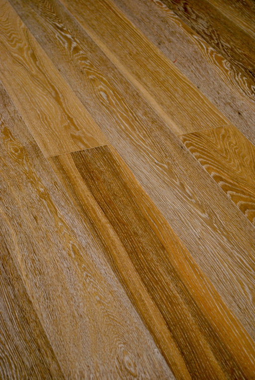 Cheetah Oak Engineered Flooring, Smoked, White Striped, Rustic, Brushed, Oiled, 148x3x14 mm Image 1