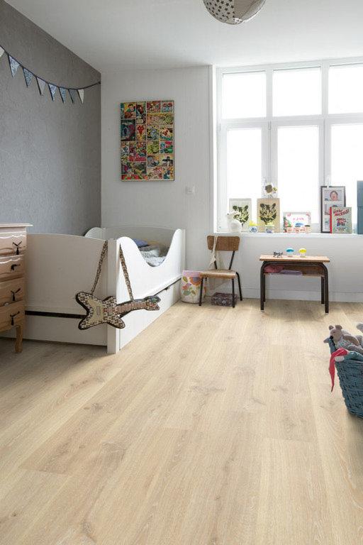 QuickStep Creo Tennessee Oak Light Wood Laminate Flooring, 7 mm Image 2