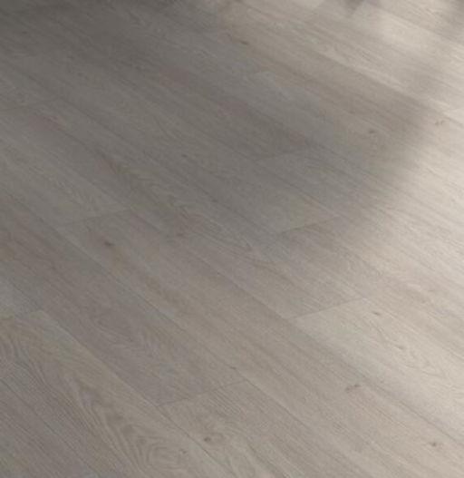 Chene H2O Planks Iguana Oak Laminate Flooring , 8 mm Image 1