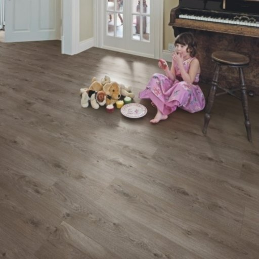 Elka Sienna Oak Laminate Flooring, 8 mm Image 1