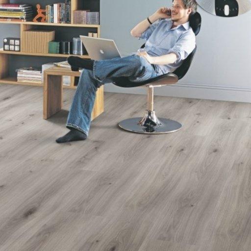 Elka Dove Oak Laminate Flooring, 8 mm Image 1