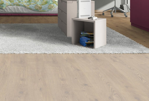 EGGER Classic Grove Oak Laminate Flooring, 192x7x1292 mm Image 1