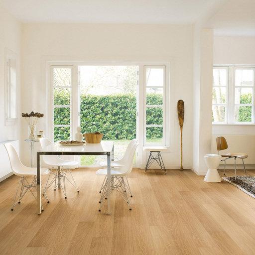 QuickStep Impressive Ultra Natural Varnished Oak Laminate Flooring, 12 mm Image 1