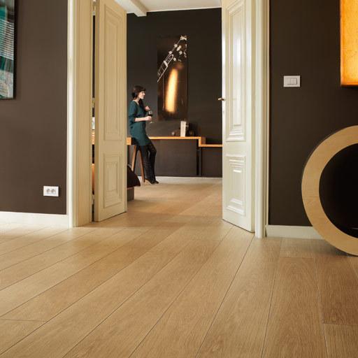 QuickStep LARGO Natural Varnished Oak 4v Planks Laminate Flooring 9.5 mm Image 1
