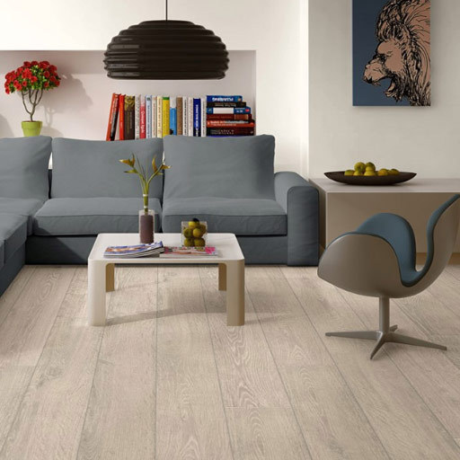 QuickStep LARGO Light Rustic Oak Planks Laminate Flooring, 9.5 mm Image 2
