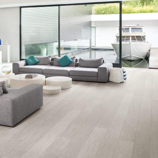 QuickStep LARGO Pacific Oak 4v Laminate Flooring 9.5 mm Image 2