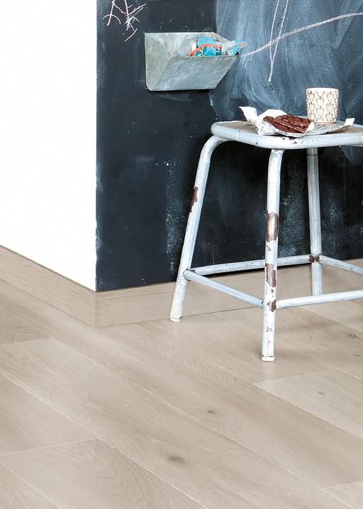 QuickStep LARGO Long Island Oak Light 4v Planks Laminate Flooring 9.5 mm Image 3