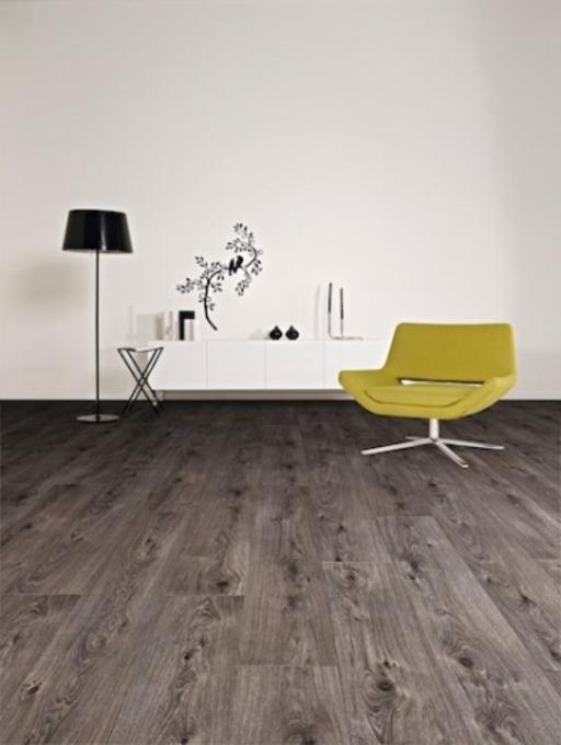 Lifestyle Chelsea Boardwalk Oak 4v-groove Laminate Flooring, 8 mm Image 2