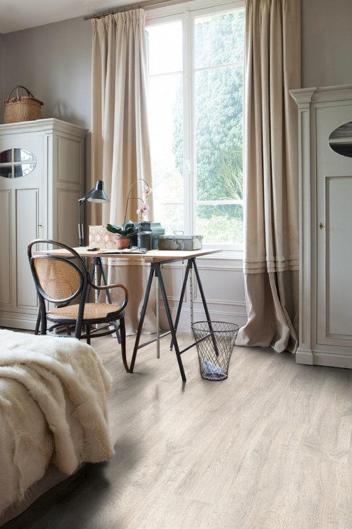 QuickStep CLASSIC Reclaimed White Oak Planks Laminate Flooring 7 mm Image 1