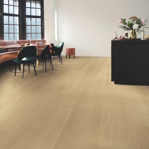 QuickStep Signature Beige Varnished Oak Laminate Flooring, 9 mm Image 1