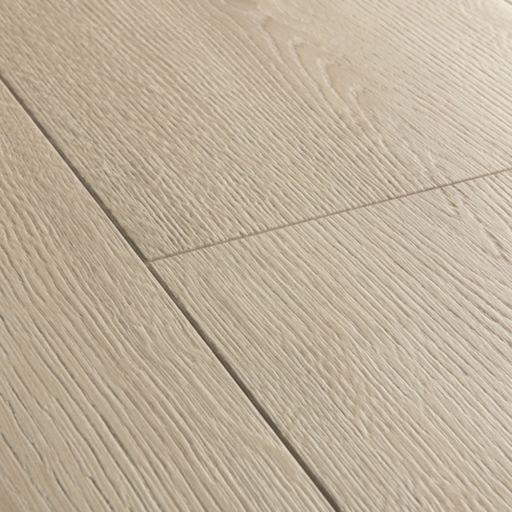 QuickStep Signature Brushed Oak Beige Laminate Flooring, 9 mm Image 3