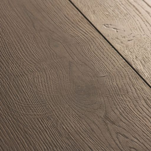 QuickStep Signature Brushed Oak Brown Laminate Flooring, 9 mm Image 3