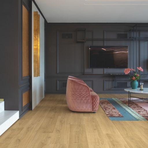 QuickStep Signature Brushed Oak Warm Natural Laminate Flooring, 9 mm Image 1
