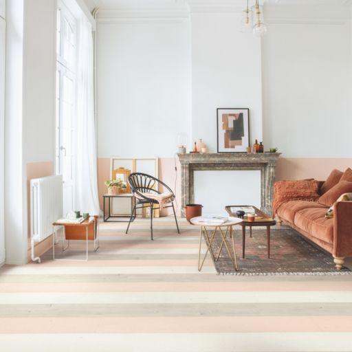 QuickStep Signature Painted Oak White Laminate Flooring, 9 mm Image 2