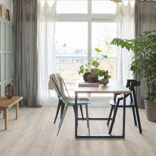 QuickStep Signature Brushed Oak Grey Laminate Flooring, 9 mm Image 1