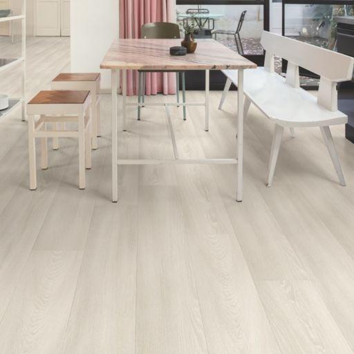 QuickStep Signature White Premium Oak Laminate Flooring, 9 mm Image 1