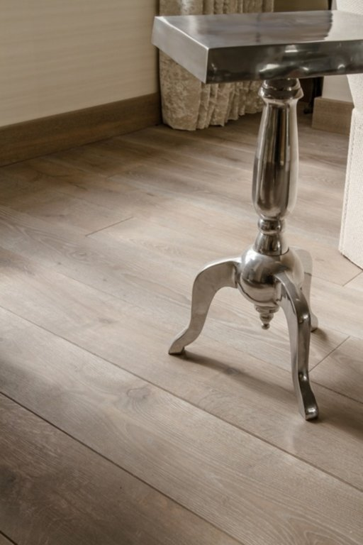 Tradition Waterfall Engineered Oak Flooring, Brushed, Oiled, 180x14.5 mm Image 4