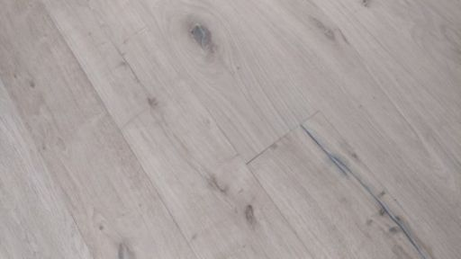 Tradition Antique Engineered Oak Flooring, Distressed, Brushed, Unfinished, 220x15x2200 mm Image 3