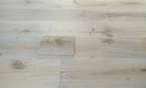 Tradition Antique Engineered Oak Flooring, Distressed. Brushed, White Oiled, 220x15x2200 mm Image 2