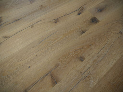 Tradition Antique White Oak Engineered Flooring, Rustic, Distressed, Brushed & Oiled, 1900x20x190 mm Image 2
