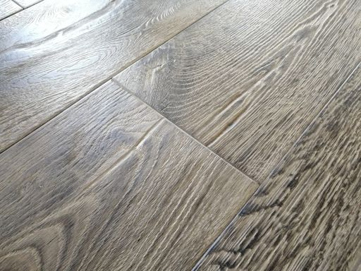 Tradition Deluxe Engineered Oak Flooring, Rustic, Distressed, 220x15x2200 mm Image 2