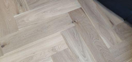 Tradition Engineered Oak Parquet Flooring, Herringbone, Invisible Finish, 150x14x600 mm Image 2