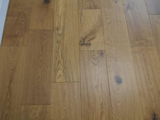 Tradition Golden Engineered Oak Flooring, Natural, Handscraped, Lacquered, 190x14x1800 mm Image 2