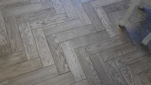 Tradition Herringbone Engineered Oak Parquet Flooring, Gunmetal, Grey, 80x18x300 mm Image 3