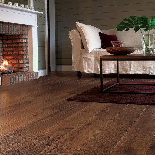 QuickStep PERSPECTIVE Vintage Oak Dark Varnished Planks 4v-groove Laminate Flooring 9.5 mm Image 1