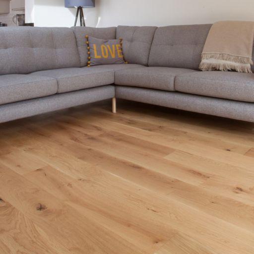 V4 Alpine Wide Oak Engineered Flooring, Brushed, Matt Lacquered, 190x15x1900 Image 3