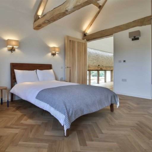 V4 Natural Engineered Oak Parquet Flooring, Rustic, Smooth Sanded & Hardwax Oiled, 90x15x360 mm Image 3