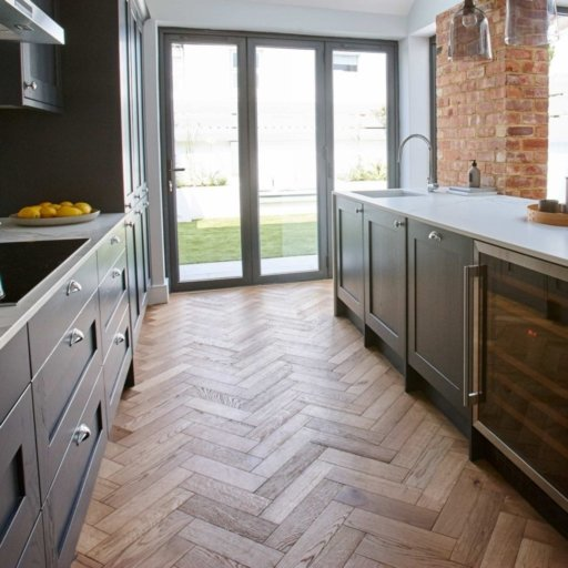 V4 Engineered Oak Parquet Flooring, Rustic, Brushed & Matt Lacquered, 90x15x360 mm Image 2