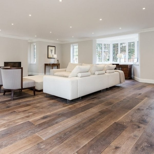 V4 Tannery Brown Engineered Oak Flooring, Rustic, Hand finished, Brushed & UV Oiled, 190x15x1900 mm Image 2
