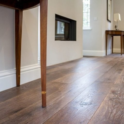 V4 Tannery Brown Engineered Oak Flooring, Rustic, Hand finished, Brushed & UV Oiled, 190x15x1900 mm Image 3