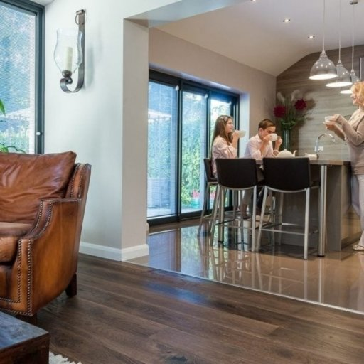 V4 Tannery Brown Engineered Oak Flooring, Rustic, Hand finished, Brushed & UV Oiled, 190x15x1900 mm Image 4