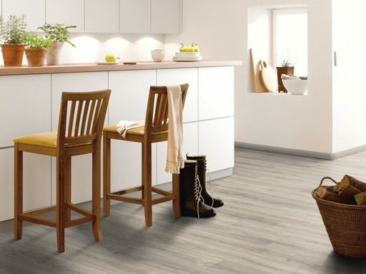 Canadia Mountain Grey Oak 4V Plank Laminate Flooring, 11 mm