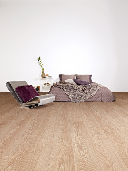 Balterio Tradition Elegant Cambridge Oak 2 Bevel Laminate Flooring 9 mm